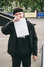 Marius Apro wurde Freitagabend auf dem Parkplatz die Polizei auf den Leib gehetzt, die seinen Autoschlüssel einkassierten, bis er am nächsten Tag seine Fahrtüchtigkeit unter Beweis stellen konnte