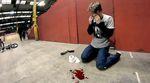 Gary Spencer hat während den Dreharbeiten zu seiner Power Hour im Rampworx-Indoorpark weder Material noch Körper geschont. Mehr dazu in diesem Video.