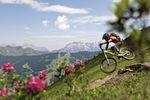 Österreichs Bike-Region Nr. 1: Saalbach Hinterglemm ist für seine abwechslungsreichen Trails und sein breit ausgebautes Wegenetz bekannt. Rider @ Richie Schley / Foto @ Saalbach Hinterglemm