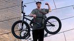In diesem Bikecheck erklärt der SIBMX-Fahrer Adrian Warnken, inwiefern sein Rad auf mehrere Disziplinen ausgelegt ist und warum er es ein wenig schwerer mag
