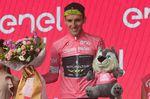 Adam Yates (Mitchelton-Scott) liegt weiterhin in der Gesamtwertung und trägt das maglia rosa für einen weiteren Tag. (Foto: Sirotti)