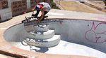 Jason Enns knöpft sich in diesem Promovideo für den neuen Colorway seines Signaturerahmens von Volume Bikes ein paar Swimmingpools in Kalifornien vor.