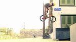 Heiße Lenker und Vorderradbalance aus Holland: Nico Weidmann hat seinen Welcome-Edit für den Bridge BMX-Shop in Rotterdam, Den Haag und Delft gefilmt.