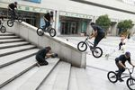 Garrett Reynolds, Switch feeble to Truck in Shanghai; Foto: Kevin Conners / Red Bull Content Pool