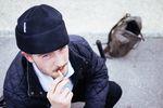 Jonathan Kress gönnte sich eine Pause vom Abfüllen seiner Freunde und rauchte dafür extra viel