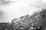 Was die Tour de France so besonders macht...Die geduldig wartenden Fans. (Foto: ASO)