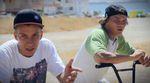 Antonio und Fernando Laczko haben für dieses Video in Sevilla, Malaga und Ibiza nicht nur an ihren Teints gearbeitet, sondern auch fleißig Clips gesammelt.