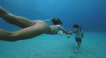 Wasseraufnahmen und Unterwasseraufnahmen von Perrin James