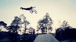 The Shadow Conspiracy erweitern ihr Team um den tschechischen Fahrer Martin Capek und der weiß, wie man ein Fahrrad auf Trails bedienen muss.