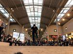 Sebastian Grubinger Backwards Whiplashes auf dem Fight The Winter Flatland Contest
