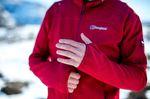 Rote Berghaus Outdoor Herren Jacke mit extra Fingerlöchern in den Ärmeln