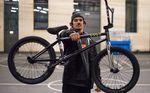Jackpot! Aaron Paffenholz ist ab sofort für die Cult Crew und éclat unterwegs. Für diesen Bikecheck haben wir uns seinen neuen Hobel genauer angeschaut.