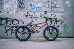 Bruno Hoffmanns Signaturerahmen von Federal Bikes im Burt Orange Colorway noch mal von der anderen Seite