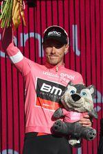Rohan Dennis (BMC) und sein Team verteidigten erfolgreich seine Führung. Der Australier behält das maglia rosa für einen weiteren Tag. (Foto: Sirotti)