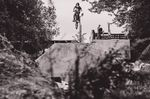 Tom, der kleine Bruder von Jan Lemke, springt mit seinem 18-Zoller schon die Dirts auf dem Schlachthof. Fun fact: Das Bike von Tom ist das alte Rad von Jan