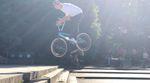 Die Homies von Ride With Friends waren beim Meet & Greet mit dem Sunday-Team bei Flair BMX und der anschließenden Streetsession am Polendenkmal dabei.