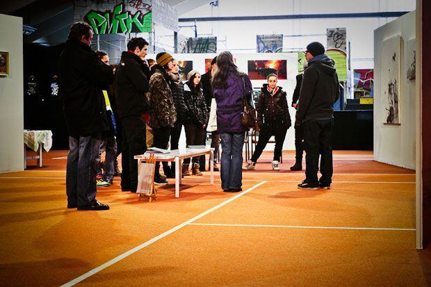 art_on_snow_aos2012_pm06_pic_08_exhibition_tennishalle_96dpi_steffen_kornfeld