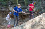 Der eigene Parcours bedeutet auch eine Menge Arbeit! Peter mit Thomas Genon und Anton Thelander © Markus Grebe