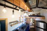 Blick von oben auf Küche, Bett und Badezimmer - Foto: Tiny Heirloom