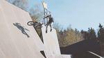 Lukas Faltenbacher hat Michael Rösler während einer Session im Bikepark von Geltendorf gefilmt und dabei sind einige schöne Zeitlupenclips rumgekommen.