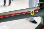 Das leichte und aerodynamische Colnago V1-r wurde in Zusammenarbeit mit Ferrari entwickelt.