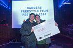 Die ungläubigen Gewinner des Bangers Freestyle Film Festivals 2014: Sebastian Nitsche und Moritz Nußbaumer.