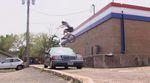 Zu den Highlights in diesem Video von Reed Stark für den Felgenhersteller Sun Ringle gehört neben dem mutigen Ende ein Bunnyhop über einen fahrenden Benz.