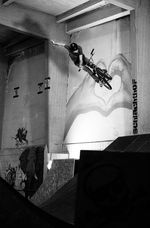 One Handed X-Up von Vincent Unrath in der Halle des Schlachhof Flensburg